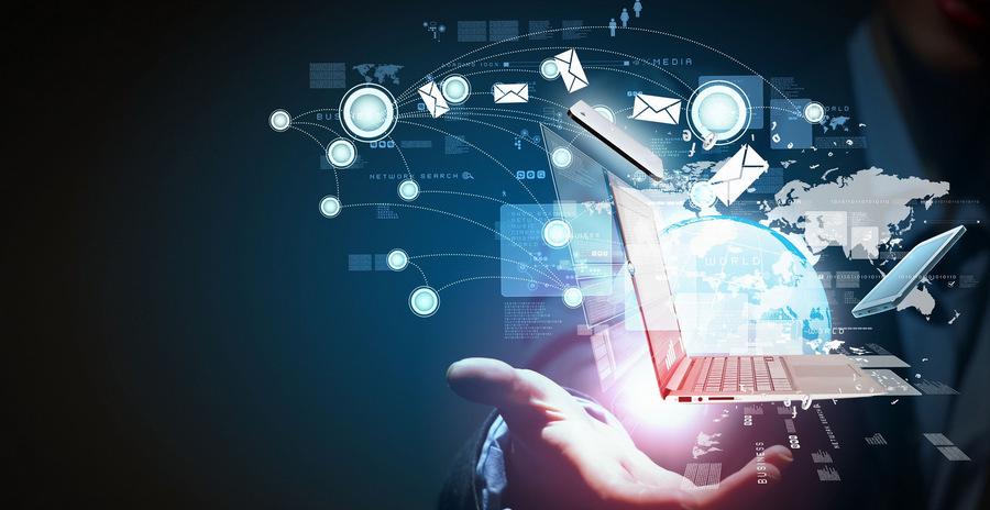 width=900 height=464></noscript></p><p>Neste novo modelo de negócio, as operadoras chamam para si a responsabilidade de entregar ao cliente todo o suporte necessário a fim de proporcionar a ele todos os benefícios da telefonia digital a custos acessíveis. A <strong>Telefonia 4.0</strong> é um desdobramento do uso do VoIP (<em>Voice over Internet Protocol</em>) e da gama de recursos e serviços provenientes desta tecnologia.</p><p>Pensar na <strong>Telefonia 4.0</strong> é pensar em novos rumos de conectividade e serviços de Telecom. É necessário, portanto, considerar as mudanças tecnológicas que impactaram a produção e a circulação dos serviços de telefonia nas últimas décadas e, por isso, vamos falar brevemente sobre as gerações anteriores de telefonia (1.0, 2.0 e 3.0) a seguir para que você compreenda melhor o cenário.</p><h2>Gerações anteriores de telefonia: 1.0, 2.0 e 3.0</h2><h3>Telefonia 1.0</h3><p>Na telefonia de Primeira Geração – ou Telefonia 1.0 – os serviços estavam vinculados unicamente à transmissão de voz. Estamos falando da telefonia analógica que também se estendia ao PABX analógico e apresentava recursos reduzidos como Correio de Voz, Caixa Postal e bloqueio de ligações.</p><h3>Telefonia 2.0</h3><p>Foi em fevereiro de 1995, quando a empresa <em>Vocaltec, Inc</em> lançou o <em>Internet Phone Software</em>, que a Telefonia 2.0 (Segunda Geração) surgiu. Estamos agora falando do VoIP, tecnologia que permitiu a comunicação por voz via Internet. Novos recursos e vantagens passaram a ser entregues como identificador de chamadas, chamadas em espera, filas personalizadas e atendimento automático (URA).</p><p><img src=https://www.twsolutions.com.br/wp-content/plugins/lazy-load/images/1x1.trans.gif data-lazy-src=https://blogdovoip.com.br/wp-content/uploads/2017/06/2-7.jpg class=