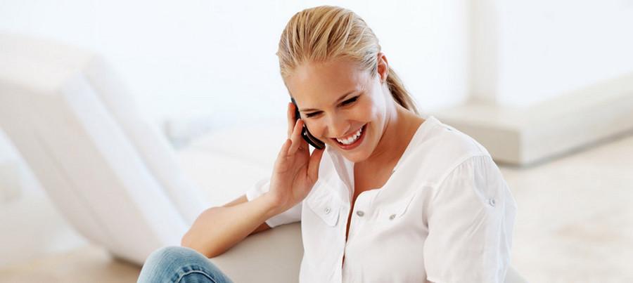 """width=900 height=403></noscript></p><h2>3. Telefonia VoIP</h2><p>A telefonia VoIP (telefonia digital) é a melhor e mais barata solução para <strong>reduzir gastos com celular na empresa</strong>, sendo ideal para empresas de todos os portes. Os planos são bastante diversos – desde os mais baratos até os mais robustos – e os recursos proporcionam economia de até 70% ao mês.</p><p>Na telefonia digital, é possível ter ramais VoIP. Cada um desses ramais funciona como uma extensão telefônica. As ligações são feitas pela Internet, eliminando totalmente o custo de longa distância. O que acontece é que, no VoIP, é como se todas as ligações fossem """"locais"""", já que são feitas pela Internet, e por isso as tarifas (inclusive para números móveis) são muito mais baixas.</p><p>Não perca mais tempo e comece hoje mesmo a <strong>reduzir gastos com celular na empresa</strong> com a ajuda do VoIP. Confira nossos planos corporativos e contrate!</p><p><a href=https://www.twsolutions.com.br target=_blank rel=noopener><img src=https://www.twsolutions.com.br/wp-content/plugins/lazy-load/images/1x1.trans.gif data-lazy-src=https://blogdovoip.com.br/wp-content/uploads/2015/09/banner-chamada-site.png class="""