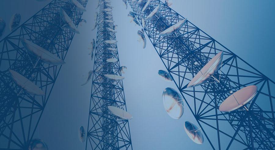 """width=900 height=491></noscript></p><p>A dependência da rede das aplicações mais complexas que permitem às empresas a comunicação entre plataformas considerou uma nova geração de provedores de comunicações. De forma frequente, facilitados por técnicas e métodos de nuvem, esses novos """"players"""" disponibilizam plataformas íntegras de comunicação unificada como serviço (UCaaS).</p><p>Porém, é válido afirmar que, uma vez que um serviço como o UCaaS esteja disponível, é possível que seja aplicado de maneira fácil em diferentes áreas dos mercados tradicionais de provedores de comunicações.</p><p>O <strong>futuro da comunicação</strong> envolve novas tecnologias, como IoT (Internet das Coisas), processamento de dados e cidades tecnológicas (baseadas em dispositivos inteligentes e aprendizado de máquina).</p><p>Leia também:</p><ul><li><a href=https://www.twsolutions.com.br/beneficios-dos-chatbots-interacao-automatica-e-inteligente-com-clientes/ target=_blank rel=noopener>Benefícios dos chatbots, interação automática e inteligente com clientes</a></li></ul><p>Todos são baseados em camadas de rede: cada nova tecnologia vive ou morre pela própria capacidade de comunicação, e é aqui que uma plataforma de comunicação, um serviço (CPaaS), torna-se o próximo passo para o <strong>futuro da comunicação</strong>.</p><p>Os criadores de novos dispositivos de IoT necessitam da garantia de que as redes de dados que suas ofertas utilizam sejam seguras, confiáveis, globais e responsivas. Sem camadas de dados neutras e eficientes, a tecnologia IoT perde valor.</p><p>Exemplificando: o investimento significativo, com exigência pelos desenvolvedores no espaço de uma cidade tecnológica, tem a necessidade do acesso de rede de alta velocidade para que os planos sejam bem-sucedidos.</p><p>Planos elaborados para o fortalecimento dos cidadãos tornam as autoridades mais receptivas aos movimentos, comportamentos e exigências dos habitantes das cidades tecnológicas.</p><p><a href=https://www.twsolutions"""